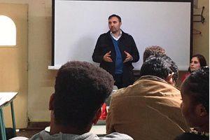 Talleres de orientación educativa y laboral para solicitantes de asilo y refugiados